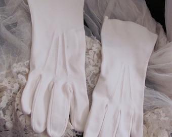 Vintage White Ivory Ladies Soft Cotton Wrist Gloves