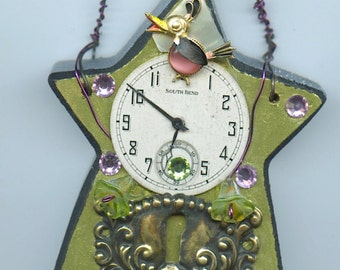 Steampunk Vintage Watch and Jewelry Parts Star Theme Wall Decoration