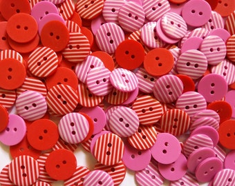 30 pcs retro stripe buttons 2 holes  size 15 mm red and pink