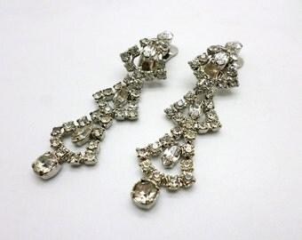 SALE Vintage Long Dangly Rhinestone Clip On Earrings Unmarked