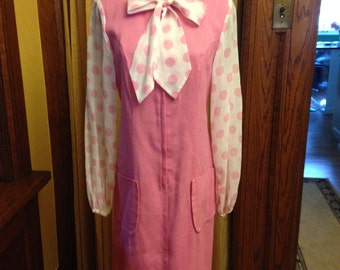 Adorable Vintage Sheath Dress with Bow