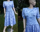 80s Dress - Vintage Dress - 80s Cocktail Dress - Brocade Dress by Sunshine/Starshine in Periwinkle with Ruching at the Waist Size 8
