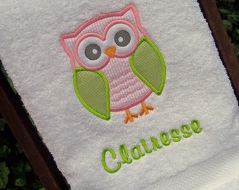 Monogrammed Kids Bath Towel with Owl Applique -  perfect for the beach, bath or pool