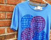 men's screen printed geometric worlds tshirt organic cotton sky blue (men's/unisex medium)