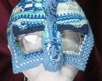 Knotty Man's Blue Horned Mask