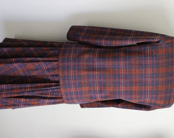 FREE SHIPPING Vintage 1960s Ladies Polyester Plaid Double Knit Suit   Size 8