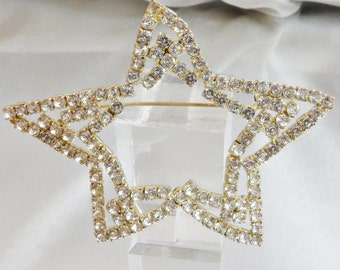Vintage Large Rhinestone Star Brooch.  Abstract. Clear 1950s Rhinestone Open Double Star Pin.  Christmas Brooch.  Holiday Pin.