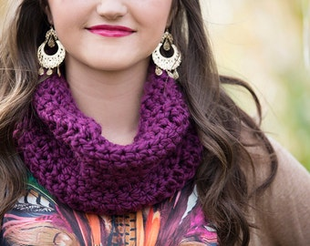 Crochet Chunky Cowl in Clematis
