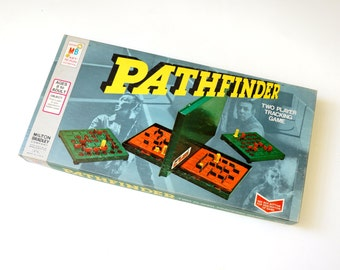 Milton Bradley Pathfinder 1977 VGC / Find A Path To Your Opponent's Hidden Pawn / Vintage Two Player Tracking Game