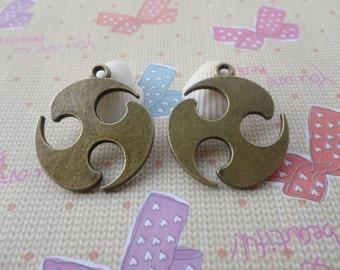 20pcs 29x33mm shuriken Antique Bronze Retro Pendant Charm For Jewelry Pendant