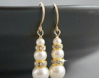 Bridesmaid pearl earrings, Gold earrings, Swarovski pearls, Bridesmaid gift, Bridal party, Wedding jewelry, Dangle earrings.