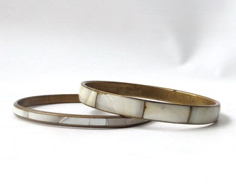 vintage 1970's brass & mother of pearl bangle white set of 2 pair bracelet real seashell sea shell beach metal womens accessories accessory