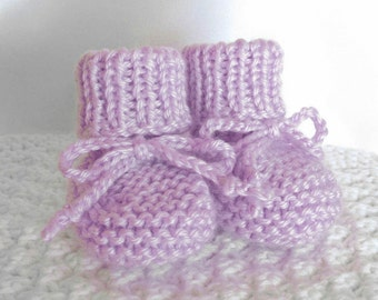 Knitted Baby Booties, Baby Girl Booties, Newborn Booties, Lavender Baby Booties, Stay on Booties, Baby Gift, Hand Knit Booties