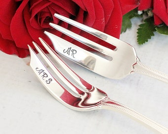 Wedding Cake Forks: Hand Stamped Mr. and Mrs. Forks Wedding Silverware cake topper