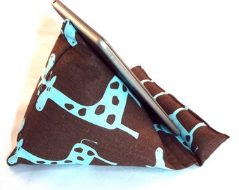 iPad Nook Kindle Pillow Stand in Giraffes