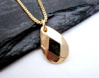 Gold Teardrop Pendant -- Tiny Drop Necklace -- Gold Metal Teardrop Necklace -- Gold Drop Layering Necklace -- Minimalist Jewelry