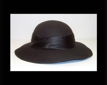 Beautiful jet black wool hat - with satin band and wide brim ~ made in Canada ~ winter fedora