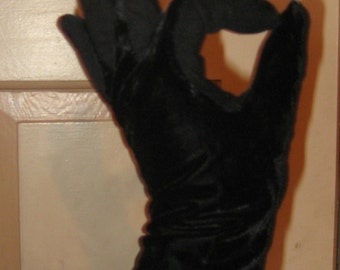 My Hands Look Great Black Velvet  Ladies Gloves
