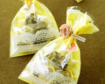 20 Yellow Lace Cellophane Bags (5.9 x 9.8in)