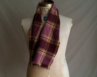 vintage 1970's plaid wool scarf / mens outerwear / mens vintage accessory / preppy chic / traditional / fall autumn