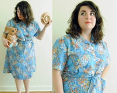 Plus Size Vintage Dress 1970s does the 1950s Day Dress with Floral Print // House Wife Wonder // Size 20