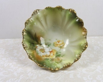 R.S. PRUSSIA Footed Nut Cup, Wreath and Star Green and Red Mark, 1905-1910, Vintage German Porcelain