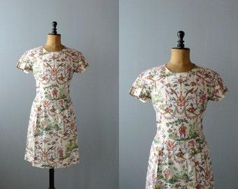 Vintage dress. 50s white cotton dress. Renaissance fresco print dress
