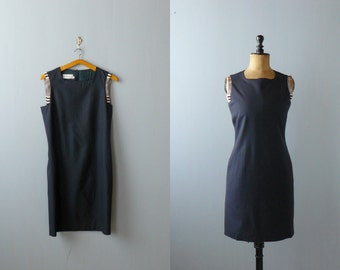 Vintage 80s navy blue wiggle dress. wool blue dress