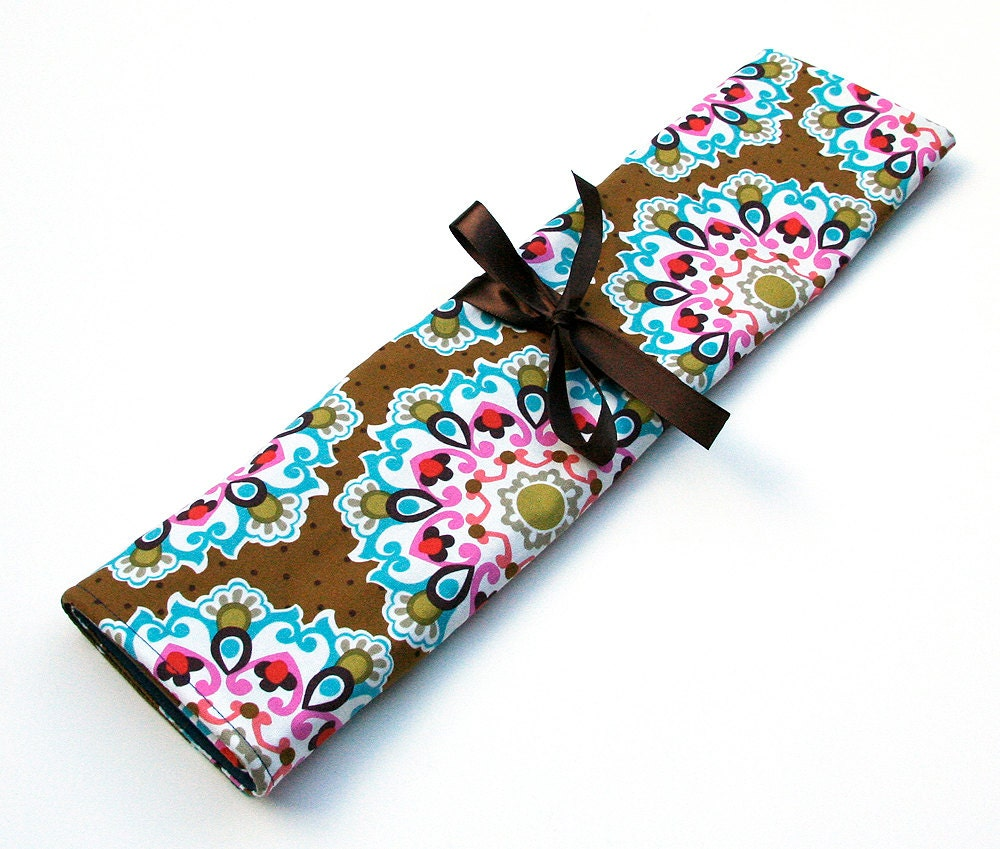 Knitting Needle Storage Case Pattern : Knitting needle organizer case roll