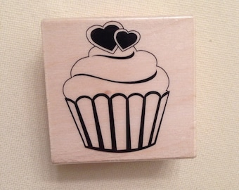 CIJ SALE Heart Cupcake Wood Mounted Rubber Stamp  // Brand New