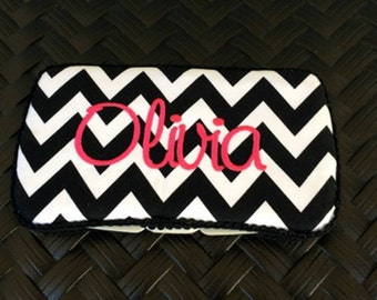 Wipe Case, Personalized decorated with  black chevron, Embroidery a name or initials