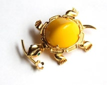 Patricia Rader Turtle Yellow Jelly Belly Brooch Figural Novelty Pin