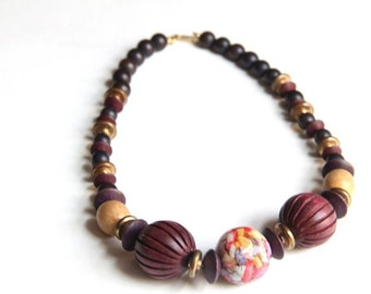 Duplaise Beaded Red Pink Wooden Choker Necklace