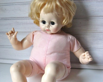Madame Alexander 1977 Pussy Cat Doll