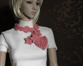 Knit leaf and flowers Scarf in rose pink