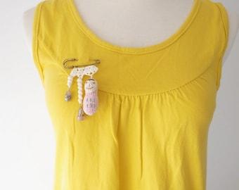 Crochet Lace Jewelry (Happy Peanut I-b) Fiber Art Jewelry, Crochet Brooch