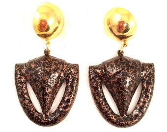 ABSTRACT Modernist Hammered Copper Black Dangling Golden Base UNIQUE Bold Clip on Earrings Authentic Vintage Jewelry 70s 80s Statement