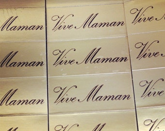 Vive Maman. Vintage French 'Long live Mum' golden stickers. Retro Mothers day gift tags.