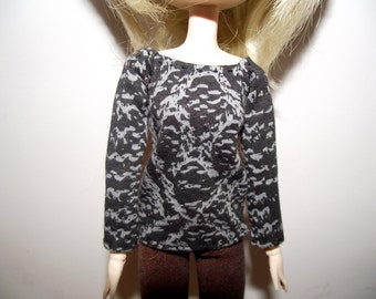 Black with grey gray tribal long sleeve shirt for pullip