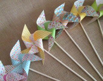 Paper Pinwheels 10 Twirling Pinwheels Birthday Favors Baby Shower Favors Table Centerpiece Easter Decoration Photo Prop Summer Party Favors