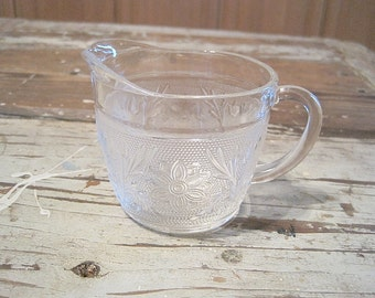 Anchor Hocking Sandwich Creamer
