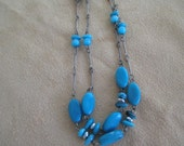Vintage costume jewelry  / turquise color necklace