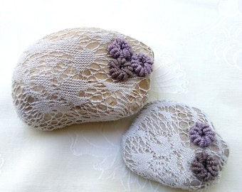 Rustic Wedding Favors, Table Decor, Shabby chic Wedding,  Paperweight , Door stop, Upcycled Stone, Crochet Lace Stone