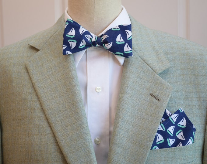 Men's Pocket Square and Bow Tie navy with mint and white sail boats, wedding party wear, groomsmen gift, groom bow tie set, sailor's gift