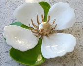 Vintage Sara Coventry Signed Enamel White & Green Tahitian Flower Brooch excellent condition