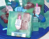 HANUKKAH Soap with driedel. The scent: prosecco (fruity) with vanilla and orange and so much more.