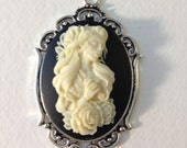 Lady Cameo Necklace // Medusa Necklace // Victorian Jewelry // Dead Girl Cameo // Gothic Cameo