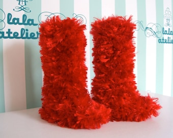 BJD super dollfie doll fluffy faux fur red boots.
