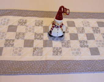 Christmas Quilted Table Runner, Winter Christmas Quilted Table Topper in Sliver Grey and White, Snowflakes, Icicles, Birds, Winter Solstice