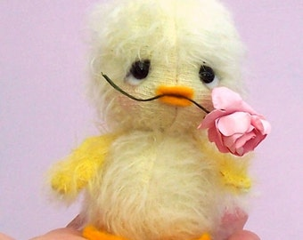 Chirrup cute easter chick soft toy sewing pattern